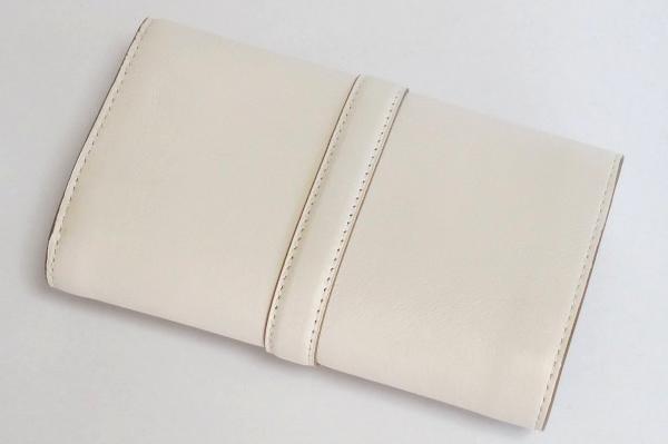 コーチ 二つ折財布53714白 背面
