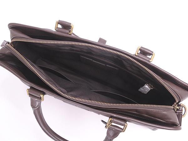 コーチ ビジネスバッグのアオリポケット