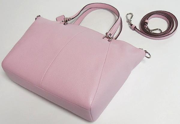 コーチ ハンドバッグ34340淡いピンク 背面
